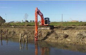 Consorzio di Bonifica Delta del Po Escavatore-300x193 Escavatore
