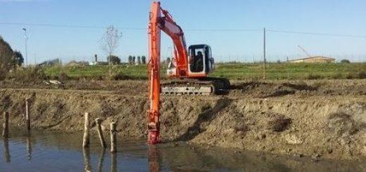 Consorzio di Bonifica Delta del Po Escavatore-520x245 Danni da maltempo, i finanziamenti dalla Regione