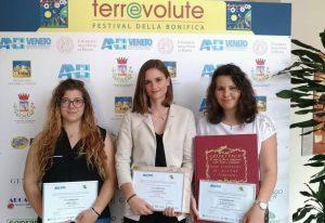 Consorzio di Bonifica Delta del Po PREMIAZIONE-300x206 PROGETTO ALTERNANZA SCUOLA LAVORO - ANBI Progetto extracurricolare per studenti della rete Veneta